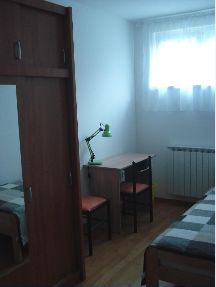 Trešnjevka, U 3-sobnom stanu iznajmljujem dvije spavaće sobe studenticama