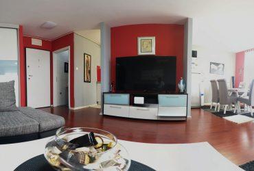 Trosoban stan + garaža